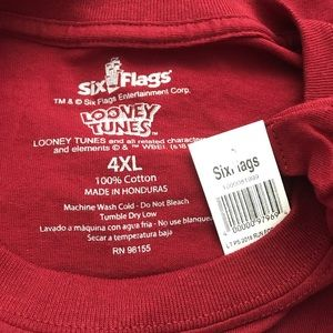 Six Flags Shirts - Six Flags Looney Tunes Characters Tee Size 4XL